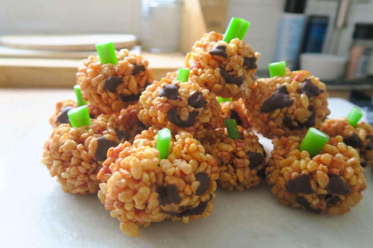 pumpkin-krispie-cakes-roseyhome2-1-of-1