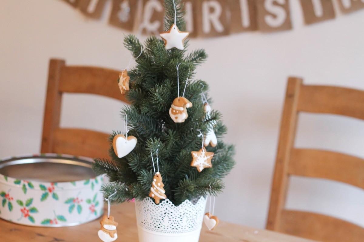 Edible Christmas Tree Decorations - Roseyhome - christmas decorations, edible gifts, tree decorations, christmas, baking, christmas