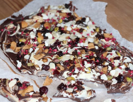 Fruit and Nut Bark - Roseyhome - baking, christmas, gifts, last minute gifts, toddler friendly baking
