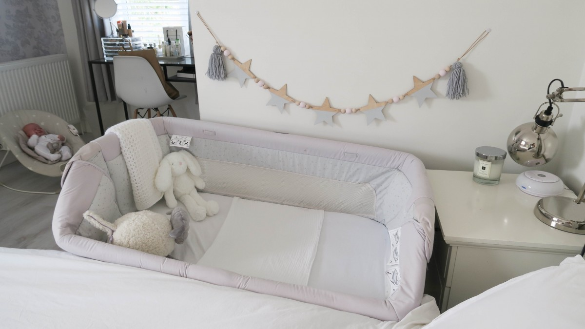 Chicco Next2me Crib Review - Roseyhome - crib, review, baby, newborn, baby items, baby crib, chicco, next2me, cosleeping crib