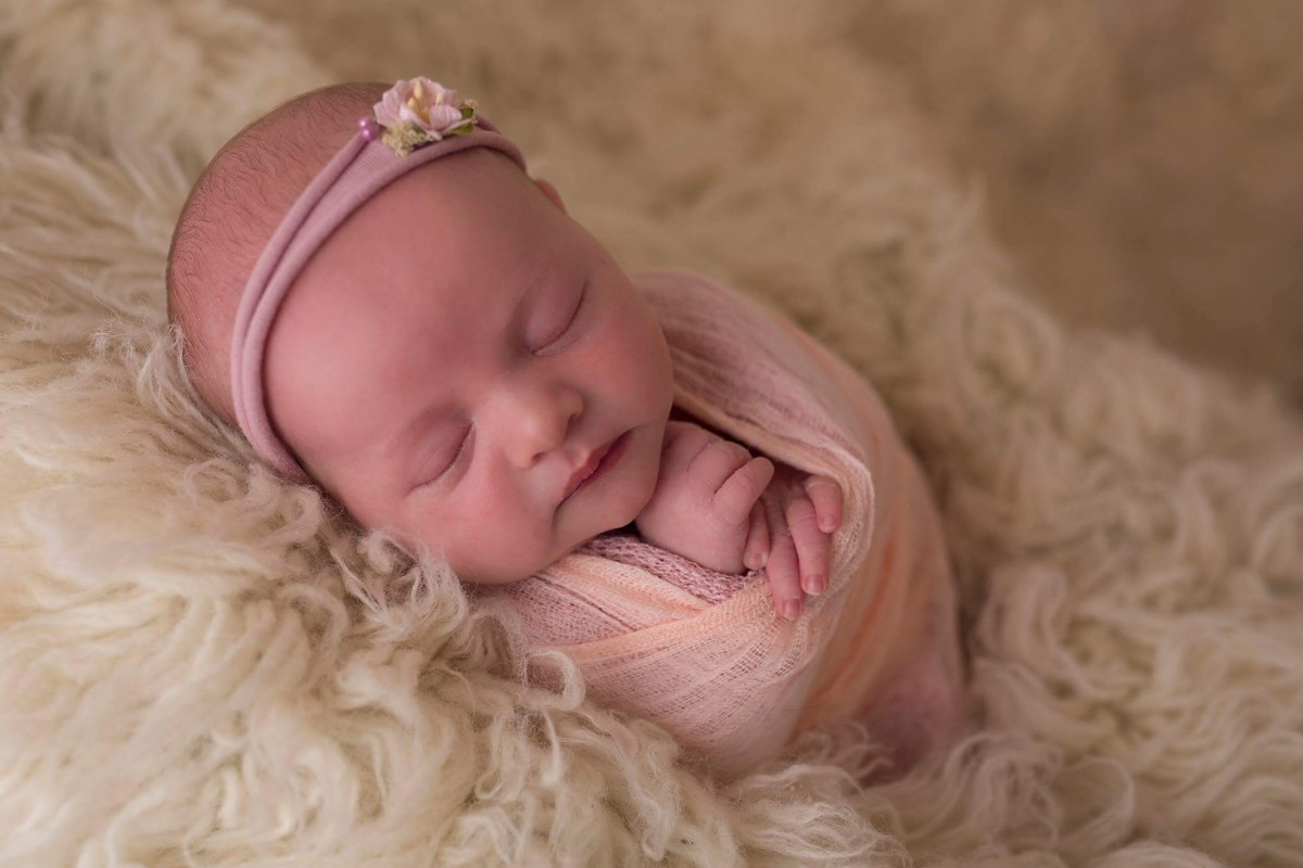 Maeve's 1 month baby update - Roseyhome - baby update, postpartum update, baby, newborn, 1 month update, one month update