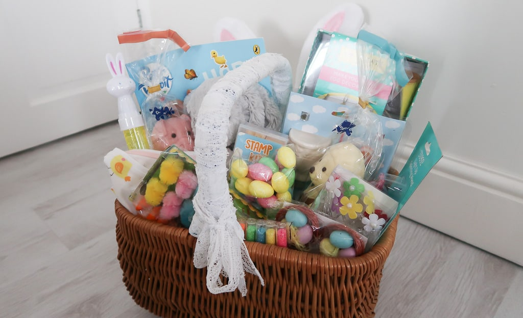 Easter Gift Basket for Kids - Roseyhome - gift basket, easter gift ideas, gift ideas for kids, easter gifts, easter crafts, easter